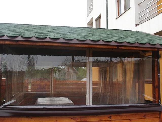 prelata-transparenta-cu-capse-si-bride-terasa-balcon-foisorprelata-transparenta-cu-capse-si-bride-terasa-balcon-foisor