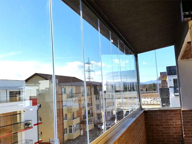 inchidere balcon cu sticla glisanta