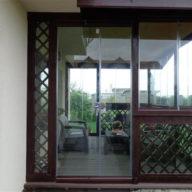 Terase Din Lemn Inchise Cu Sticla Sau Plastic Modele Rustice Moderne Lipite De Casa